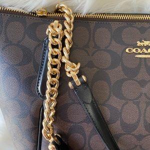 Coach Bags - SOLD 😇Coach New York Shoulder bag 💯% Authentic